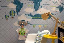 quarto menino com mapa