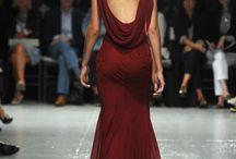 Dresses to make / by Carola la Caracola