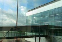 Aeropuerto de Santiago de Compostela / Moderna terminal para atender cómodamente a visitantes y peregrinos.