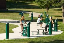 HEALTHBEAT Fitness / Due to the alarming increase in people with obesity and the growing tendency towards a sedentary lifestyle, town councils and governments are increasingly committed to equipping parks and beaches with outdoor public fitness elements.