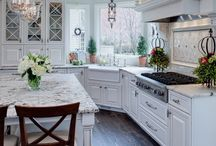 Beautiful Kitchens / The most beautiful kitchens on Pinterest. Bright, fresh and airy kitchens that will make you want to move or renovate tomorrow.