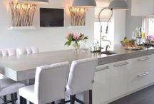 Kuchyňský ostrůvek + stůl