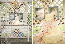 FRENCH COUNTRY CHIC WEDDINGS / Gorgeous French country inspiration for weddings. / by Bellenza