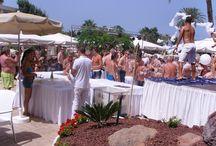 FIESTA DE BLANCO EN EL HOTEL H10 CONQUISTADOR, TENERIFE, 29 DE AGOSTO DE 2014 / En Romantic Corporate nos encanta la organización de Fiestas para clientes que buscan un toque de originalidad y diferenciación…. En las fotos, la Fiesta de Blanco celebrada el pasado viernes en el Hotel H10 Conquistador. Un excelente hotel situado frente al mar en Playa de las Américas (Tenerife) y con acceso directo al paseo marítimo.  Una Fiesta que fue todo un éxito!!!