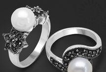Birthstone Jewellery / Birthstone jewellery collection in exquisite design