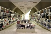 Italian Bookshops/Librerie Italiane/Libreria Italy/ Read Mi Italia / Librerie Italiane... vetrine e interni... a volte qualche libraio :) / by Read Mi Italia