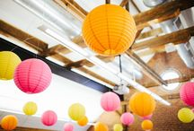 Paper Lanterns / We have a wide range of decorative paper hanging lanterns. Easy to use and to suspend, our hanging lanterns are made of paper and are available in different shapes and sizes: round, star, honeycomb - round or diamond, accordion, snowflakes, pom pom…Unfold them and hang them in a few minutes!