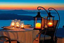 Adaugă puțin romantism în viitoare ta vacanța! / Intră pe link să vezi cât costă un sejur în Santorini: http://goo.gl/QFPJQ1
