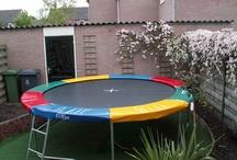 Speeltoestellen en Trampolines / Speeltoestellen en trampolines in vele vormen en maten. bij de aanleg en plaatsing letten wij ook op vormgeving en veiligheid. De hoge kwaliteit zorgt voor jarenlang speelplezier.