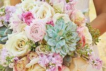 Blumen für die Hochzeit im Dirndl