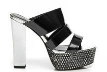 Dámské pantofle a žabky   Women's slippers and flip-flops
