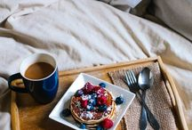 Piglet Has Breakfast in Bed / Is there anything that shouts real luxury like a breakfast in bed as you remain swathed in our comfortingly warm linen? We didn't think so either, so here's our round-up of I-want-this-now breakfast scenes from scrumptious to simple...