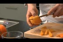 Küchen - Einmaleins  / Orangen filetieren, Orangen filetieren Tipps, Orangen filetieren Tipps, Orangen schälen, Orangen, Orangenfilets / by Marcel Prenz