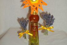 Dísz üvegek és gravírozott üvegek,házi likőrökkel töltve