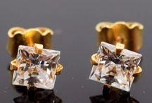 22k stone Earrings / www.dubaijewellers.co