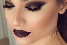 Black smokey and black lips / Black makeup