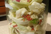 salaty ze zeleniny a ovoce