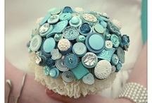 Bouquets: Button Flowers / by Cheryl Welke
