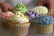 cupcakes mmmm / by Anna Huerta Alferez