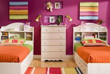 girl's  bedroom / by Deanna Shoemaker