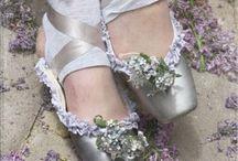 Shoes! / by Iliana de la Cruz