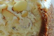 White chocolate and amaretto cheese cake