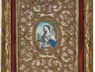 """PAPEROLES / Paperoles sono dei reliquiari """"alla francese"""" realizzati da suore di clausura, che dal Seicento in poi creano questi bellissimi oggetti con la carta e le reliquie in onore della Madonna, dei Santi, di Gesù."""