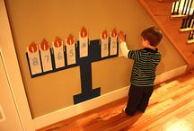 Holiday Crafts / Fun holiday-themed crafts you can do with your kids or get done during naptime!