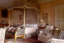 The country house / Manors, chateaux and country houses. Mainly in Britain and France.