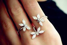 Butterfly & Dragonfly Jewelry / by Plukka (Fine Jewelry)