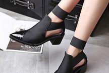 Botlar...Ayakkabılar