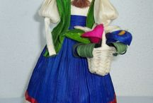 Corn Husk and Crafty Dolls :) / by Heidi Ponyrider