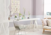 Modne pastele. Pomaluj nimi ściany w jadalni / Pomaluj ściany na delikatny róż, subtelny fiolet, łagodny błękit. Pastele są piękne i zawsze modne. Wybierzcie z nami farbę, która odmieni kolor ścian w waszej jadalni. Autor: Ewa Kozioł
