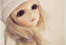 Figurines et poupées