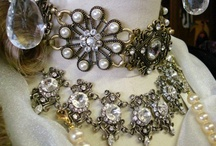 Vintage jewelry / Classically elegant, perennially stylish, the ultimate in environmental friendliness.