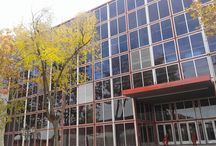 Pabellón de Cristal, en Madrid / Os dejamos con estas imágenes del Pabellón de Cristal, en Madrid. Un gran contenedor de cristal que, a pesar de despertar la admiración de grandes arquitectos, es un gran desconocido para el gran público. Puedes ver más reportajes como éste en nuestra web. Y si estás estudiando arquitectura, te ayudaremos con tu PFC: cálculos de estructuras pfc, instalaciones o tutorías. Te esperamos.