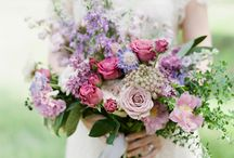 Unstructured wedding bouquets