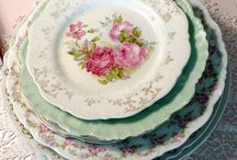 Dishes and table settings / by Jane Mooney