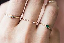 Accessoires - ring, bracelets, necklaces, watches