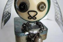 Robots & art dolls