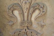 Giglio di Firenze - Florence Lily / Giglio di Firenze nelle sue varianti, dalla grafica alla ceramica al fiore del giaggiolo