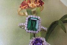 Rings / Engagement Rings  / by Brigitte Bolesta