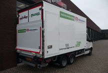 Isonort - Voedselbank Gooi / Voedselbank Gooi heeft voor het vervoeren van etenswaren een Isonort koelopbouw in gebruik genomen. Leverancier van deze Isonort opbouw is Carrosseriebouw Jos Mulder uit Bunnik.