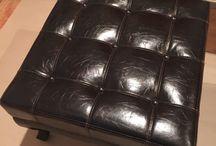 """Mire jó még a Fusion™ Mineral Paint / Sokan nem tudjátok, hogy a Fusion™ Mineral Paint nem csak bútorfesték, nem csak fából készült bútoraidat festheted át, de akár nyugodt szívvel átfesthetsz egy egész BŐR ülőgarnitúrát is. Furcsán és hihetetlenül hangzik ugye? Pedig nem az! Kedvenc bőr zsámolyomat """"áldoztam"""" fel, hogy megmutathassam Nektek, a Fusion™-al semmi sem lehetetlen :)"""