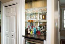 closet mini wine bar / by Julie Heidemann