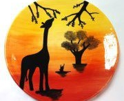 African Sunset Course / Come along to one of our courses at our Thatcham branch and learn new techniques using specialist tools and brushes with Amy Rowson. New courses are announced on our Facebook page - www.facebook.com/leapfrogceramics
