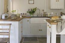 Kitchens / by Kathie Johnson