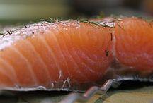 Łosoś wędzony na gorąco / Smoked salmon