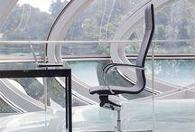 EM204 /  #emmegi #emmegiseating #EM204 #office #conference #elegant #comfort EM204 is a chair of great formal elegance while maintaining high comfort, ideal as conference chair or for executive desk