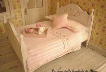Miniatures - ***Goodnight*** Bedrooms & Beds / by Moni-Berlin